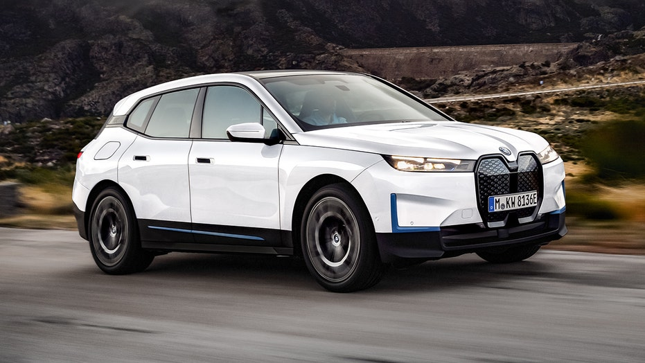 2022 BMW IX XDrive50 Price Revealed for 400 Mil All-Electric SUV